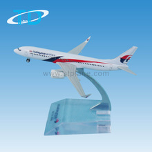 Malaysia Airlines B737-800 9cm airplane model handicrafts