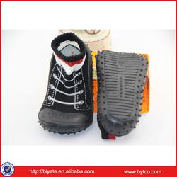 Wholesale cute baby rubber sole shoe socks