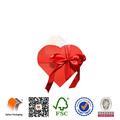 coração vermelho em forma de presente de casamento de chocolate de papel e caixas de embalagem