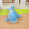 colore blu delfino e una balena giocattoli di peluche