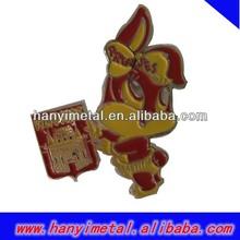 Cheap animal metal lapel pin