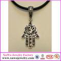 2014 moda forma mão tibetano prata borracha preta pendente( xwd- 1050)