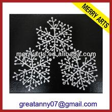 futian market yiwu china cheap wholesale snowflake glitter brads for christmas decoration