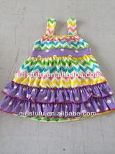 ใหม่ที่เข้ามาบูติกลายจุดและวีชุดวันหยุดที่มีสีสันซิกแซกสาวนัวเนียชุดตราเด็กสวมใส่ในช่วงฤดูร้อน