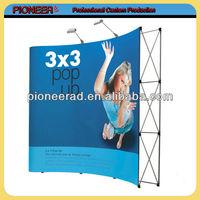 Custom triangle pop up banners