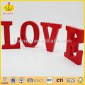 É os brinquedos. O tema é amor, Ame seu kisd amor seu amante, Home Decor a educação de madeira artesanato madeira palavras