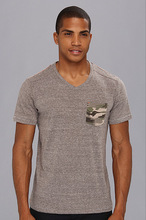 2014 Fashion contrast pocket t shirt with V neck