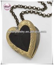 Burnished Gold Tone / Black Epoxy / Lead&nickel Compliant / Heart Locket Pendant Necklace