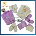 rosa e cor bege robe de renda para a família conjunto com toalha
