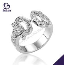 Dazzling belt buckle shape silver 5 stone wedding rings