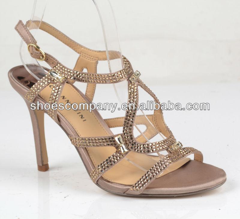 Contoh 7 Model Sepatu Sandal High Heel