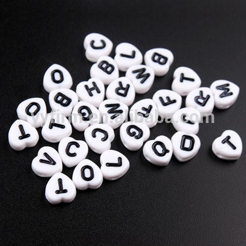 Toptan tıknaz boncuk, 4*8mm akrilik kalp alfabe boncuk, karışık mektup boncuk kuyumculuk