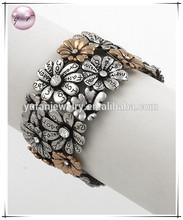 Two-tone Clear Accents Lead nickel Compliant Flower Stretch Bracelet
