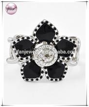 Silvertone Black Epoxy Clear Accents Lead nickel Compliant Stretch Flower Bracelet