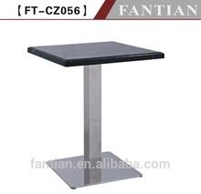 tavolo in marmo per esterni in metallo base in acciaio inox