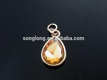 custom fashion diamond rain drop shape pendant for garment