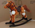 Colorido música brinquedos de madeira cadeira de pelúcia do bebê cavalo de balanço