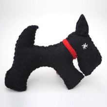 2015 fashion DIY hotsale cheap wholesale handmade polyester black pet dog patterns stuffed felt toys for kids alibaba website