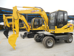 new and mini 7 ton operation weight WYL70 4 wheel drive excavator with xinchai engine, 42kw power capacity