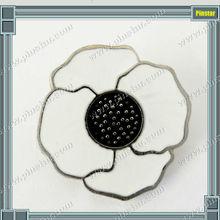 Unique design fashion enamel white poppy flower lapel pin metal