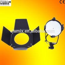 Photographic lighting kits with 5600K