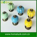 Vente en gros décoratifs. coloré. ronde en céramique en porcelaine poignée de porte