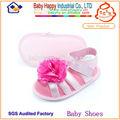 apartamento de segurança sapatos de bebê para os pés de largura