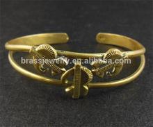 Yiwu factory Fashion Women Brass 22k Gold Bangles
