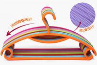 durable stronger colorful plastic expandable clothes hanger