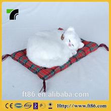 The lovely Children's toys animal model fur animals animated Beautiful white sleeping cat