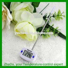 Compact bluetooth temperature sensor