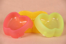 New develop apple shape plastic dog feeding bowl / pet meal dispenser