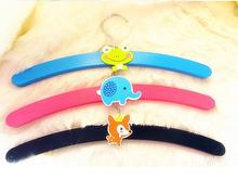 Cute animal carton short wooden colorful hangers made in Guangzhou