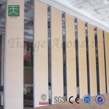 Separador de ambientes colgante de paneles para la sala de conferencias