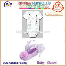 Venta al por mayor púrpura suave del bebé payless shoes y mameluco del bebé