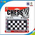 Novas crianças baratos play set plástico jogo de xadrez educacional