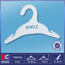 2014 factory wholesale plastic dog clothes hanger