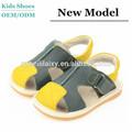 Venta caliente! 2014 más popular de punta estrecha sandalias para niños y sandalias de gladiador hebilla