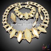 wedding gold ornament set/ traditional indian wedding jewellery sets/ 18carat jewellery