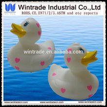 Logo print heart duck rubber