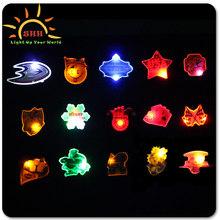 Custom LED Button Pins Light LED Flashing Lapel Pins For Sale