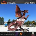 a celebração do parque de diversões de fumar robótico figura do dragão