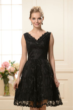 HT221Wholesale Elegant v-neck sleeveless black lace tea length mother of the bride dresses mother of the groom dress