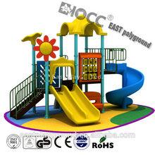 The adorable plastic slide playground 40313-3