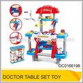 تنوير طفل كبير لعب لعبة التظاهر تعيين طبيب الطبية البلاستيكية oc0166198