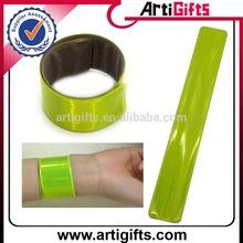 Cheap custom pvc reflective slap bracelet