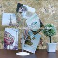 fotos de família na mostra de árvore de metal para casa e artigo