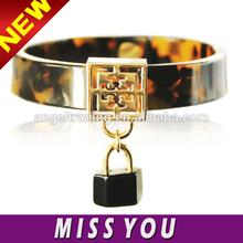hot sale leopard print acrylic cuff bangle with lock