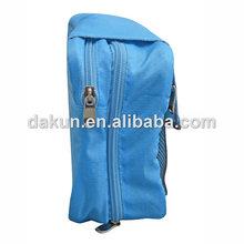 Foldable wash bag with hooks