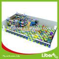 Los niños jugar de interior la zona centro de juegos infantiles al por mayor precio de fábrica, inflables para niños pequeños spong le estructura. T2.301.021